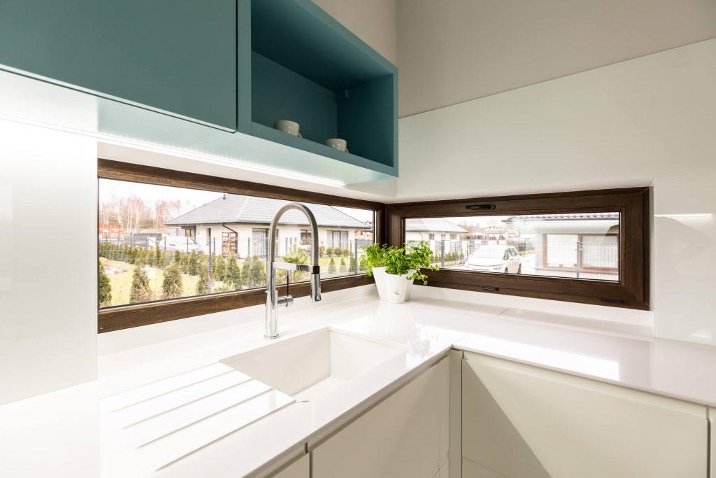 Okno narożne w kuchni