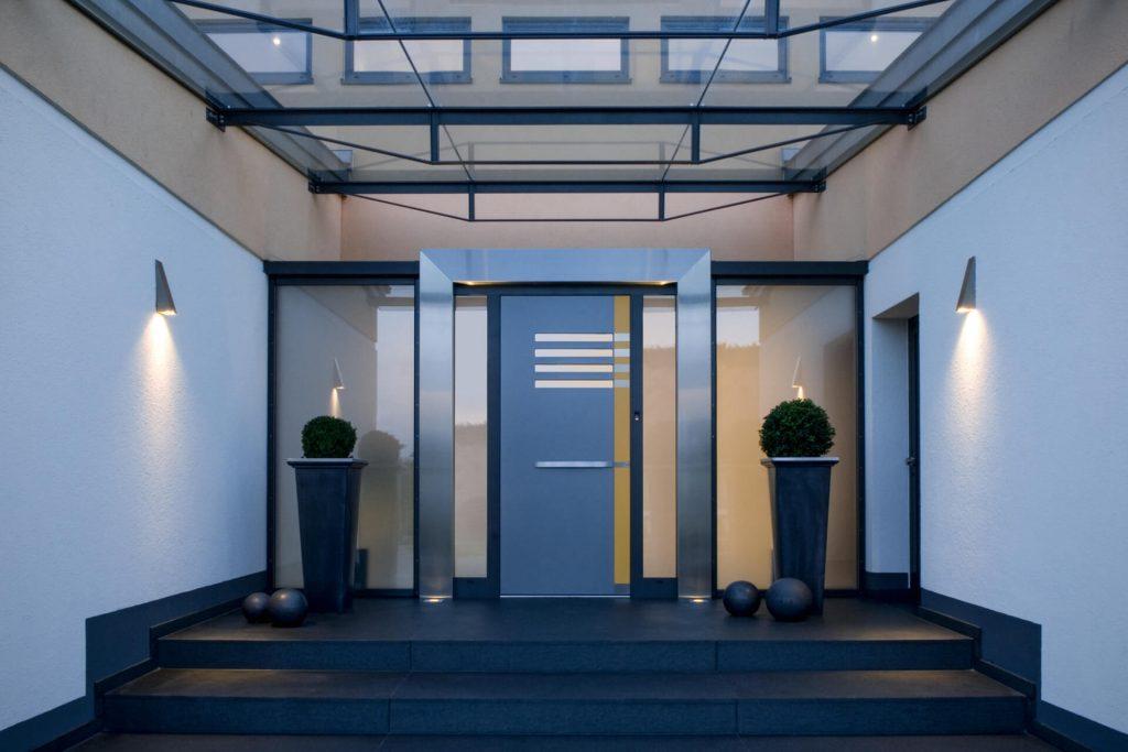 Drzwi wejściowe dopasowane do stylu domu