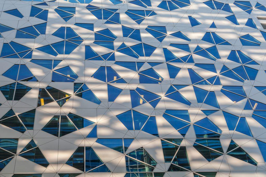 Geometryczny kształt okien